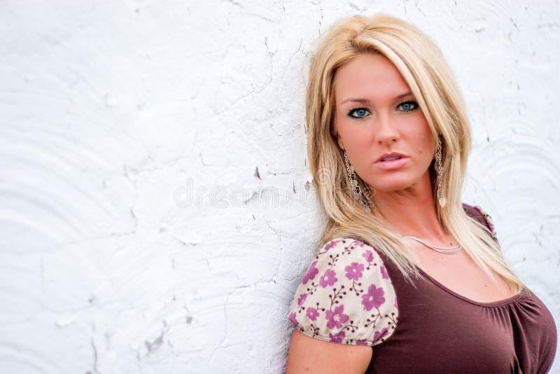 性感白肤金发的时装模特儿 库存照片