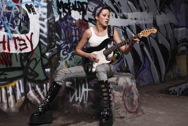 性感的吉他演奏员 库存照片