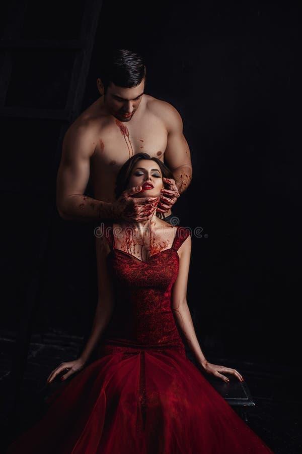 性感的女孩吸血鬼 免版税图库摄影