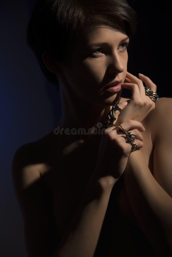性感的妇女的特写镜头画象美丽的面孔 免版税图库摄影