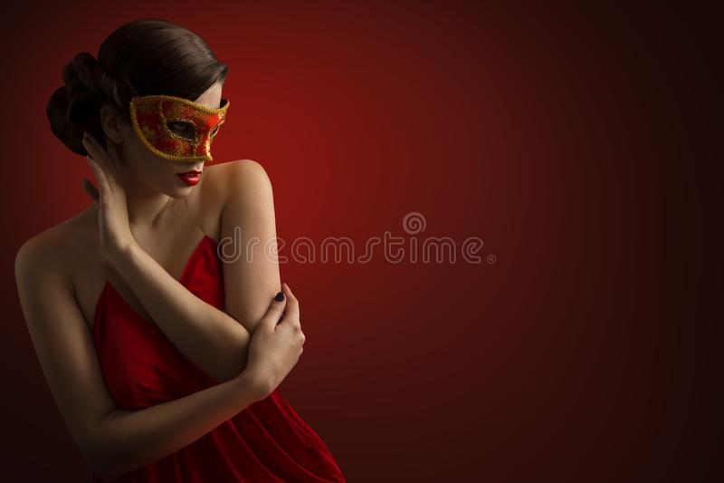 性感的妇女面具,肉欲的女孩狂欢节化妆舞会,秀丽模型 图库摄影