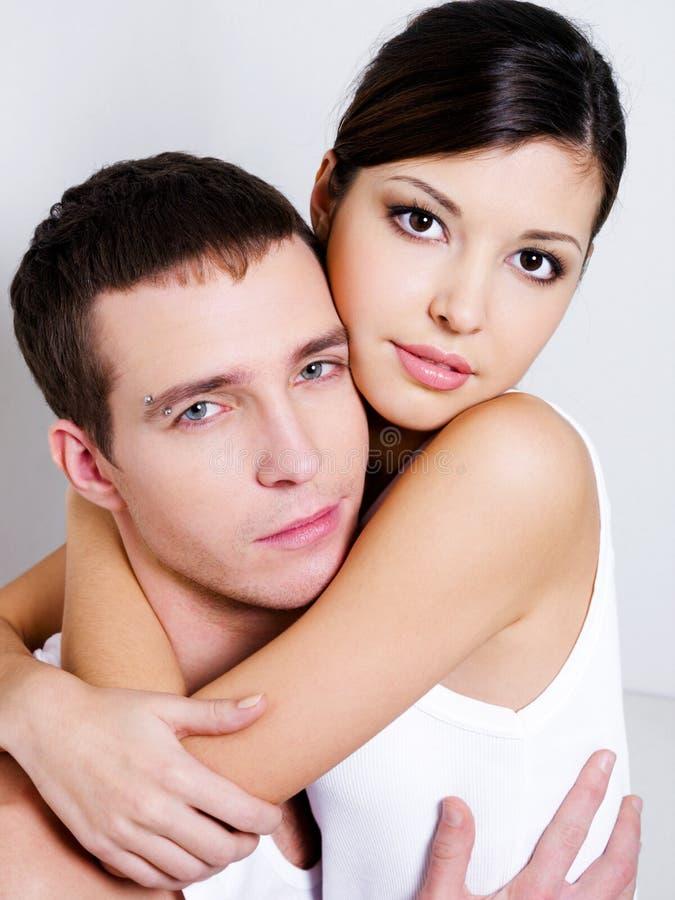 性美丽的夫妇的纵向 库存图片