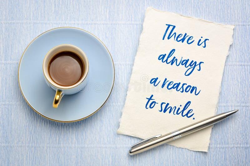 总是有原因微笑 免版税库存图片