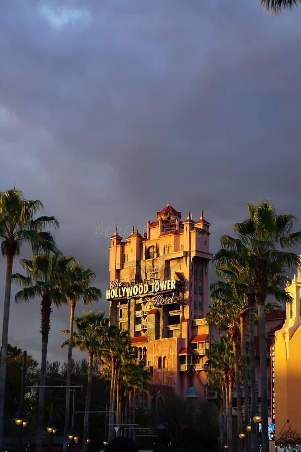 恐怖在迪斯尼的旅馆乘驾塔  库存照片