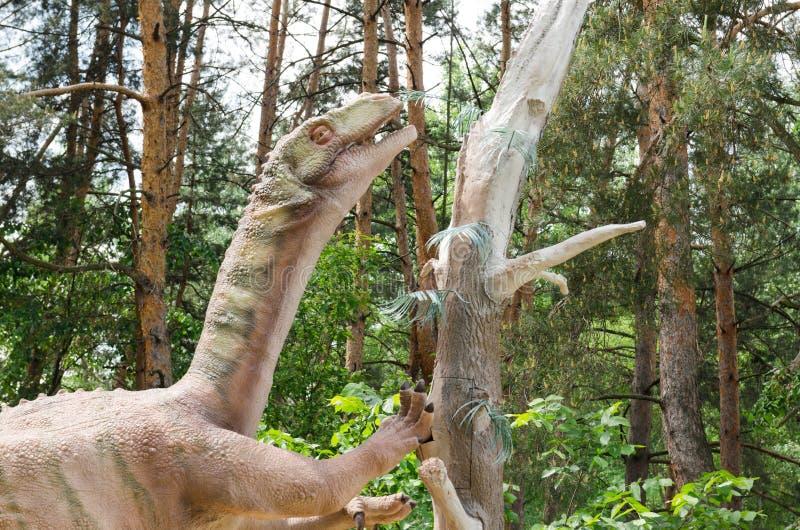 恐龙式样板龙在恐龙公园 图库摄影