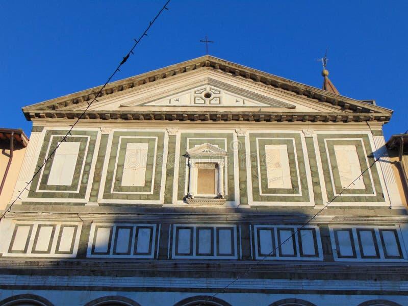 恩波利,托斯卡纳,意大利 Farinata德利乌贝迪广场 桑特'安德里亚教会  免版税库存图片