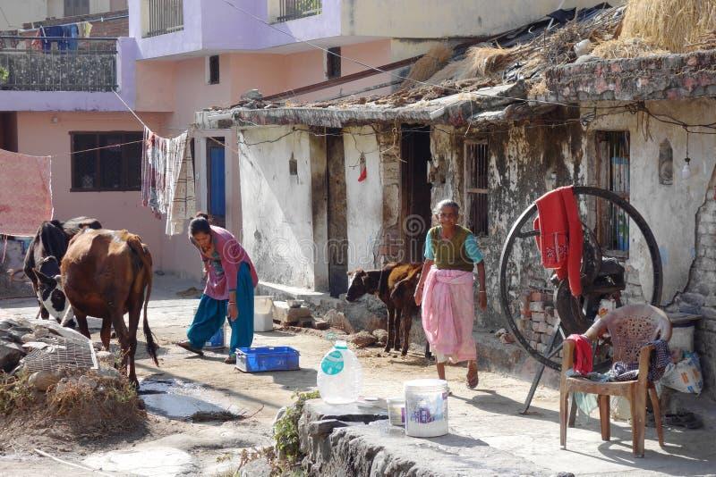 恶劣的农村印地安宅基 免版税库存照片