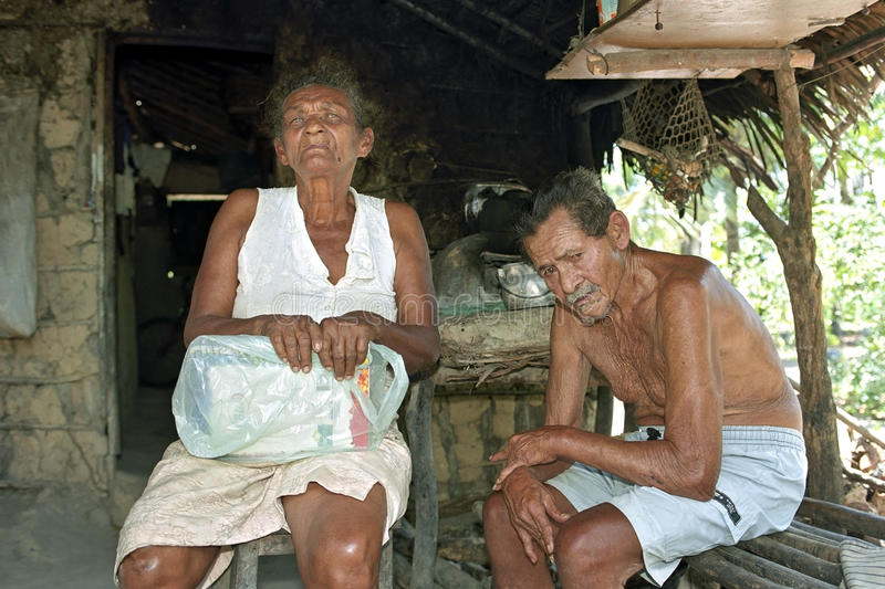 恶劣的巴西年长夫妇小组画象  库存照片