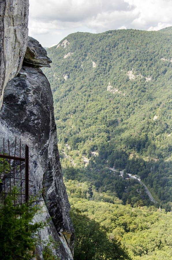恶魔的顶头花岗岩岩层,烟囱岩石北卡罗来纳国家公园 库存图片