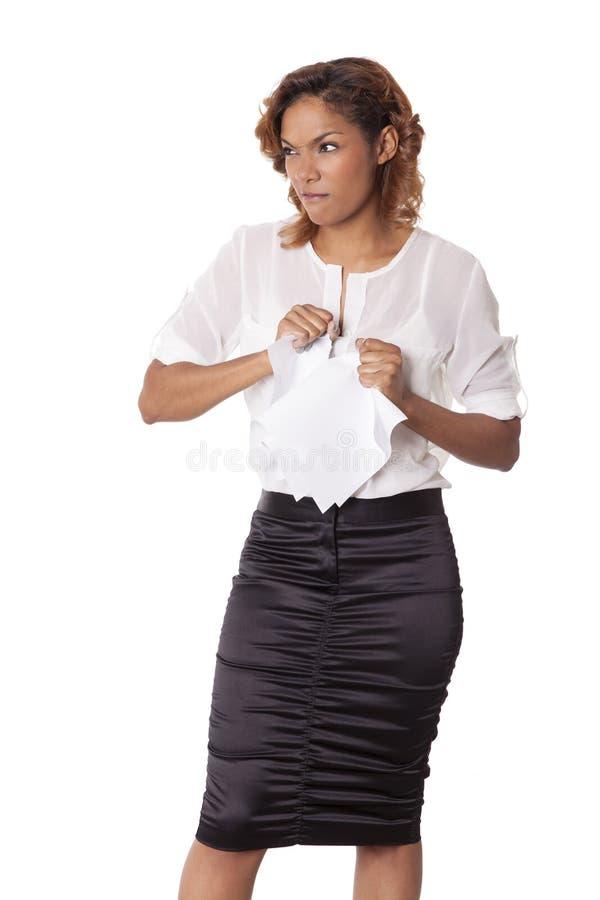 Download 恼怒的妇女剥去纸以在她的面孔的皱眉。 库存照片. 图片 包括有 典雅, 信函, 混杂, 动物, 黑暗, 商业 - 30330288
