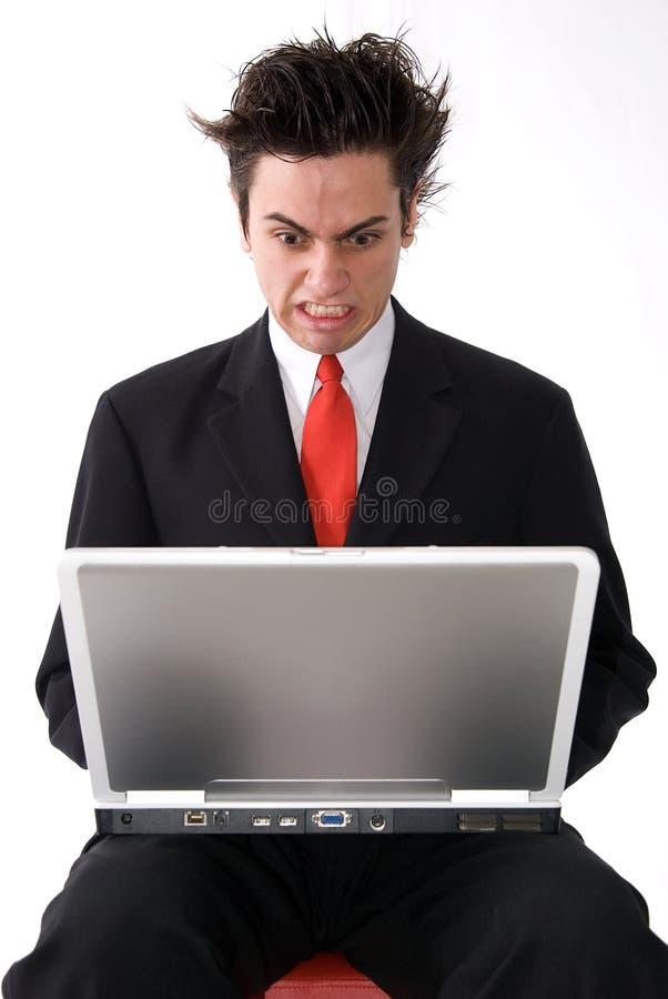 恼怒的膝上型计算机人