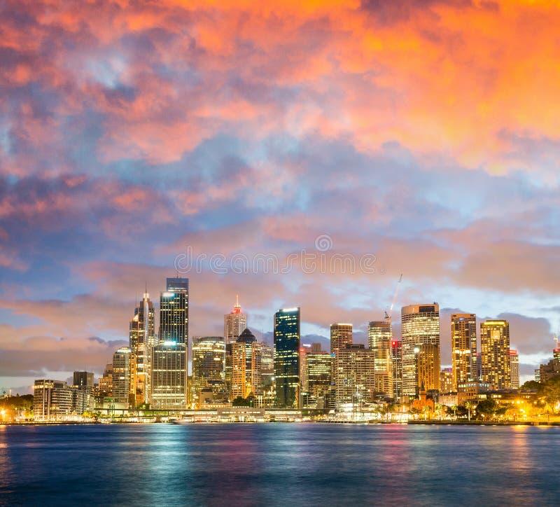 悉尼全景夜地平线  免版税库存图片