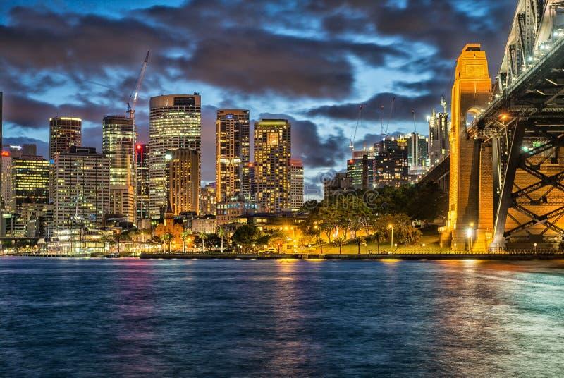 悉尼全景夜地平线  免版税库存照片