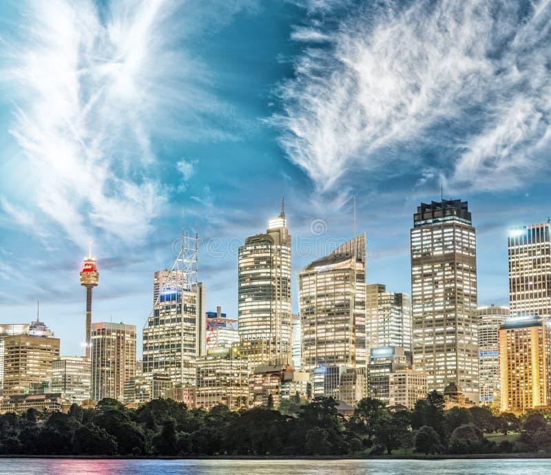 悉尼地平线,澳大利亚惊人的日落视图  免版税库存照片
