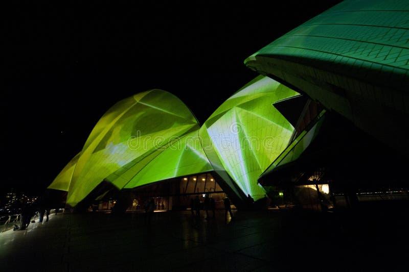 悉尼歌剧院在晚上 库存照片