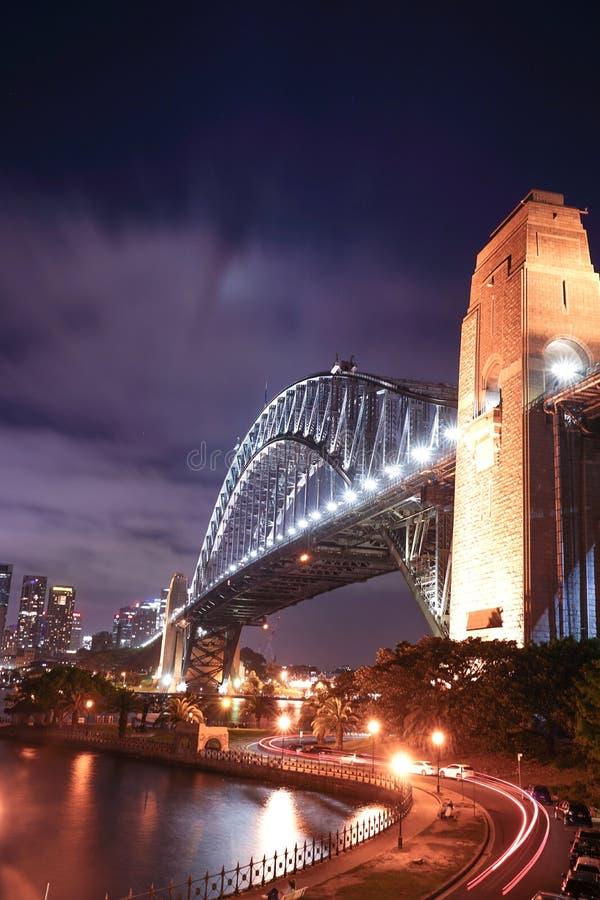 悉尼港桥在晚上,从Kirribilli的看法, 库存照片