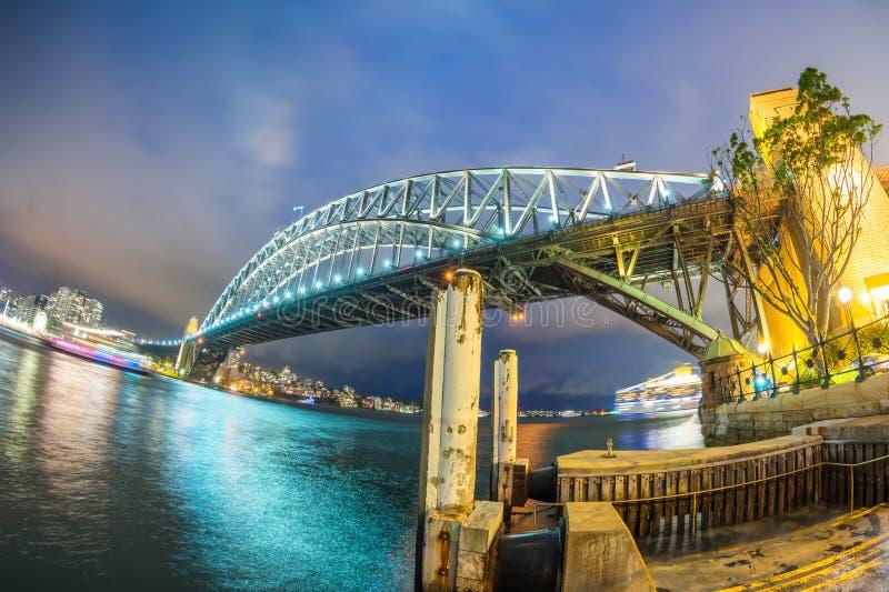 悉尼,澳大利亚美妙的夜地平线  图库摄影