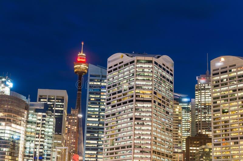 悉尼,澳大利亚美妙的夜地平线  免版税图库摄影