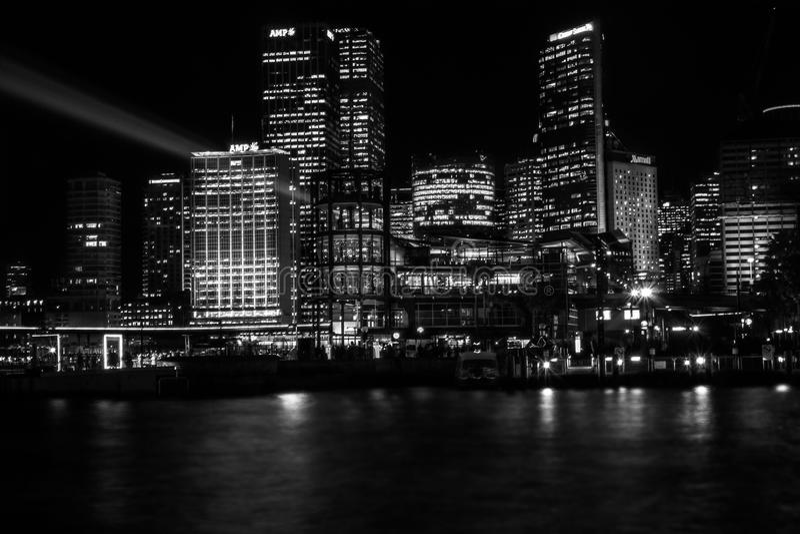 悉尼从坎伯` s小海湾的市地平线 库存照片