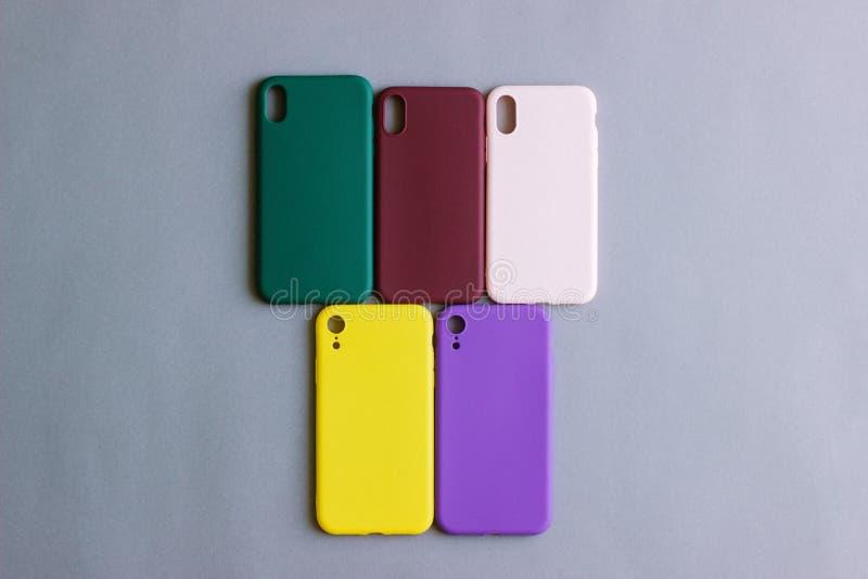 您的智能手机的五颜六色的硅树脂盒 库存图片