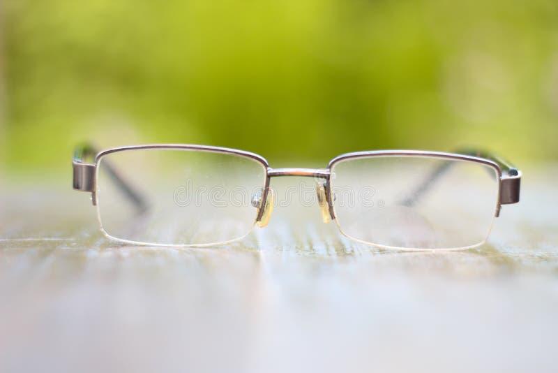 您的眼睛的小型镜片 免版税库存照片