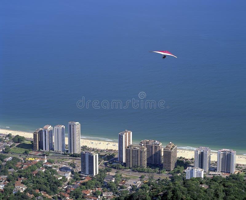 Download 悬挂式滑翔机 库存照片. 图片 包括有 天空, 舷梯, 本质, 横向, 面包渣, 滑翔机, 江边, 滑动 - 72371434