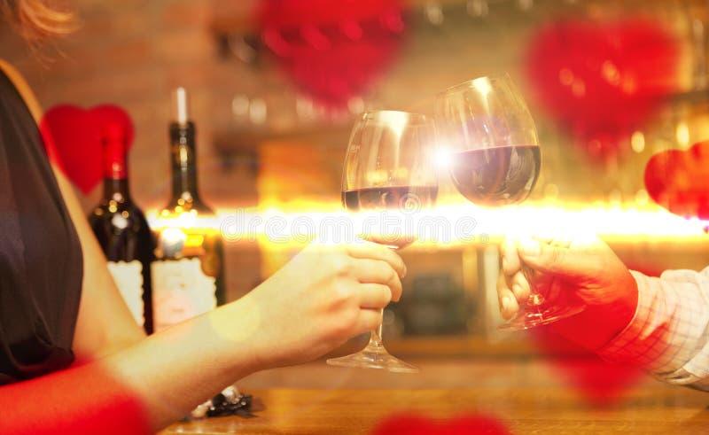 情人节概念用酒和玻璃 免版税库存照片