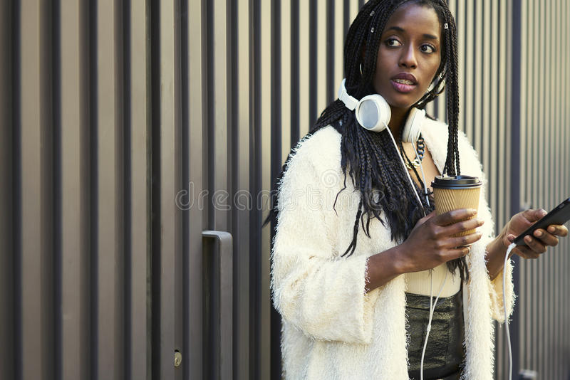 情感美丽的美国黑人的妇女 库存图片
