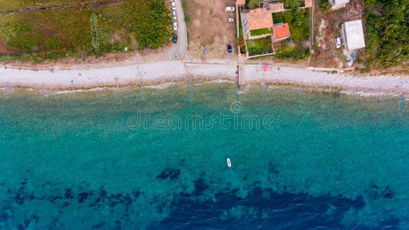 惊人下降下来海滩胜地的看法 免版税库存照片