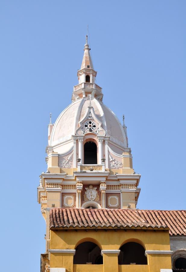 惊人的大教堂在卡塔赫钠,哥伦比亚的老历史的中心 免版税库存图片