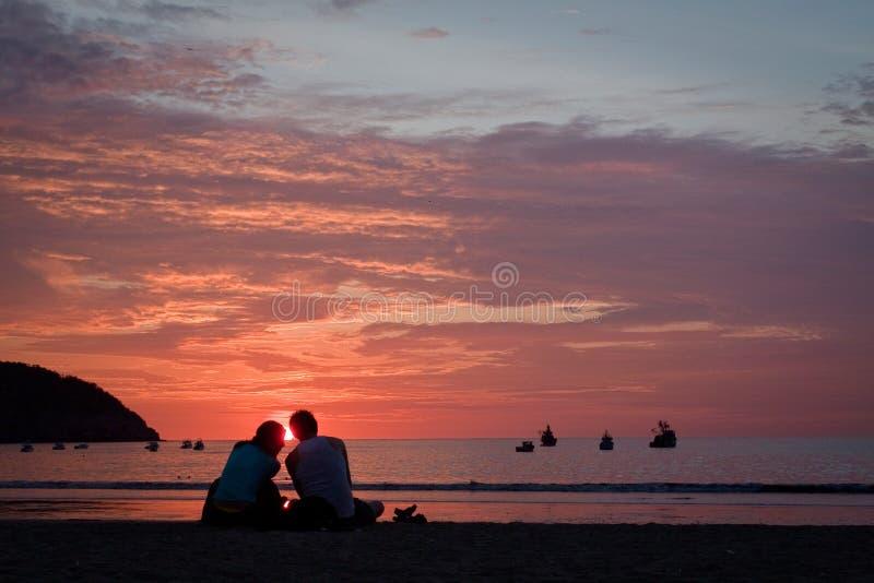 惊人的日落激动人心的景色在美丽的 免版税库存照片
