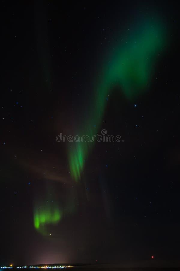 惊人的极光borealis活动或北极光在ekkero上 库存照片