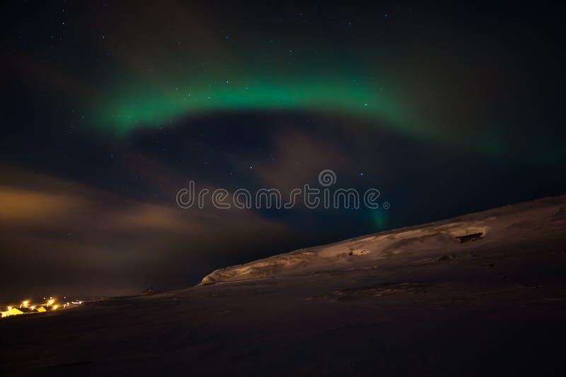 惊人的极光borealis活动或北极光在ekkero上 免版税图库摄影