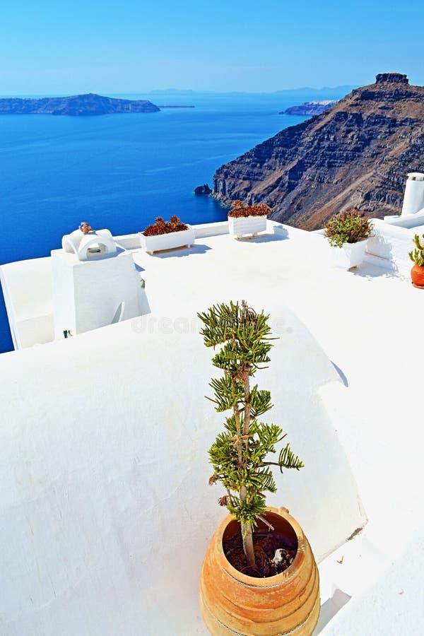 惊人的看法圣托里尼海岛屋顶希腊 库存照片