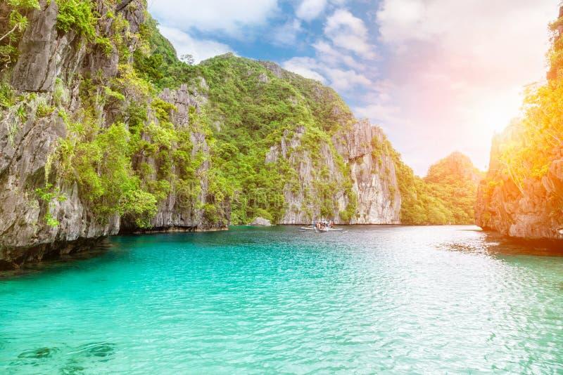 惊人的绿松石在El Nido,菲律宾浇灌 库存图片