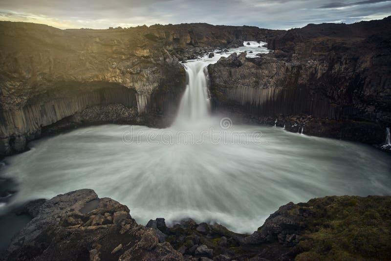 惊人Aldeyjarfoss,冰岛 库存照片