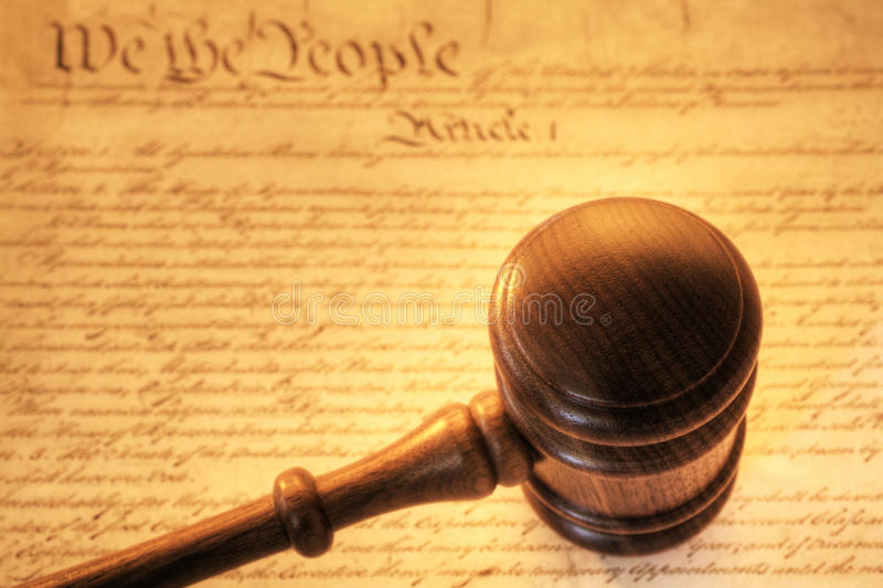 惊堂木和宪法 库存照片