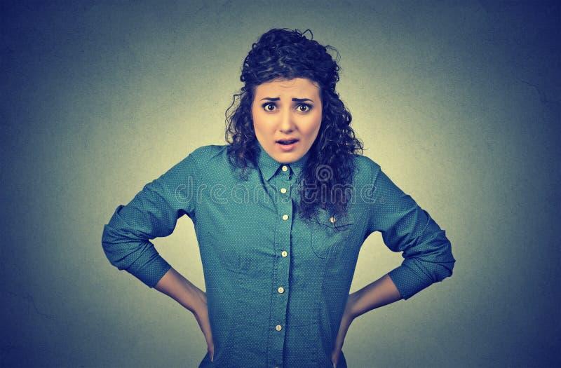 惊奇的生气妇女 免版税库存照片