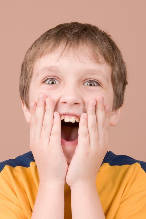 惊奇的男孩纵向 免版税库存照片