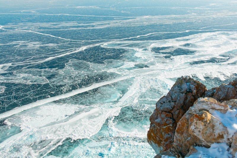 惊奇织地不很细和被仿造从高观点的贝加尔湖冰面在西伯利亚,俄罗斯 免版税库存图片