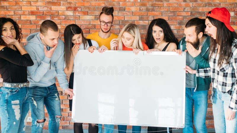 惊奇被铭记的Millennials whiteboard 库存照片