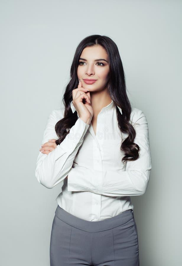 想法的企业woma 美好的聪明的女性模型 免版税库存图片