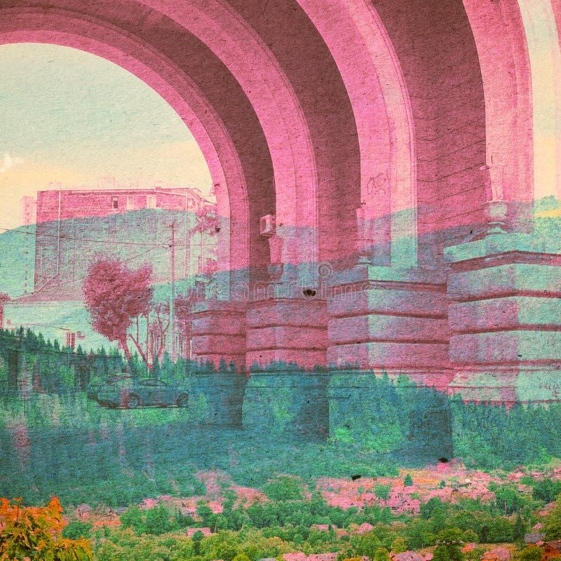 幻想生态摘要背景 与自然混合的都市风景在纸纹理 免版税库存图片