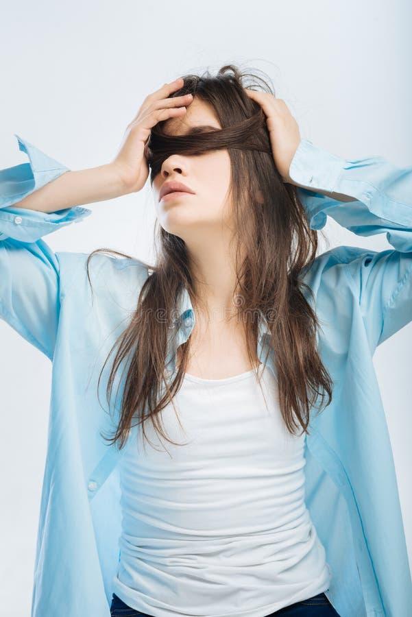 想知道在想法的好疲乏的妇女 库存照片