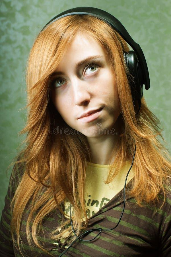 想象对音乐的女孩 免版税库存图片