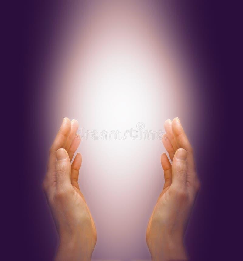 愈合与紫色光芒 图库摄影