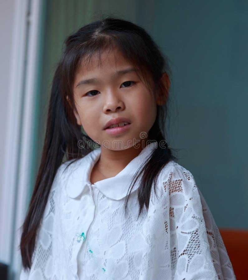 愉快亚裔的女孩 免版税库存照片