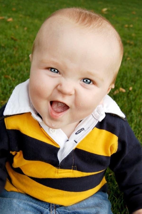 愉快婴孩的秋天 免版税库存图片