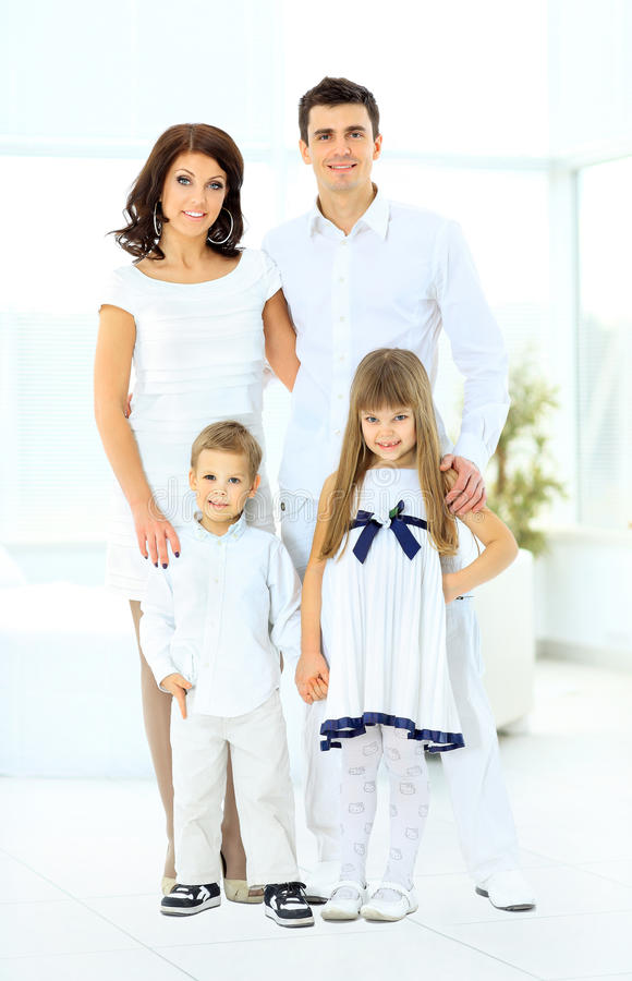 愉快家庭包括 库存照片