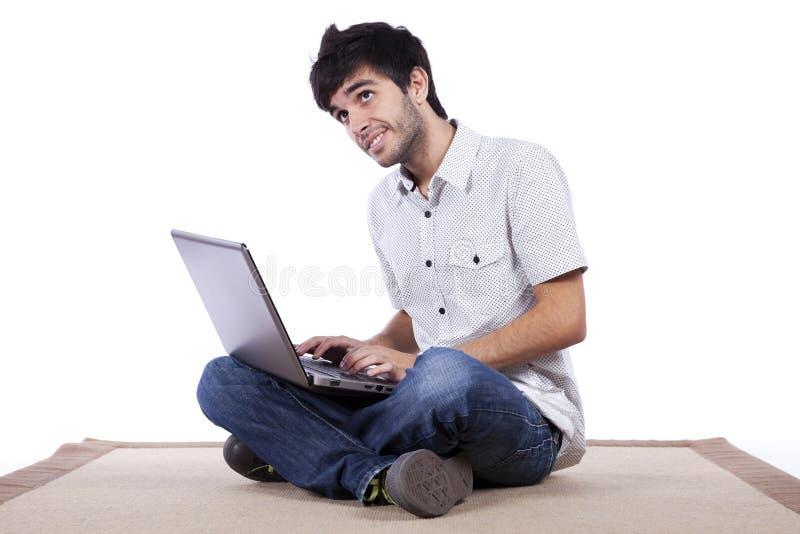 愉快的互联网人冲浪的年轻人 库存照片